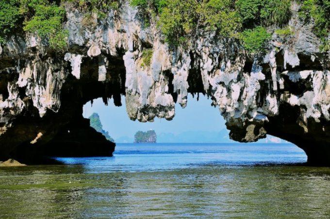 limestones-of-phang-nga-bay-768x511